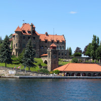 NY, 1000 islands stop 1: Singer Castle on Dark Island
